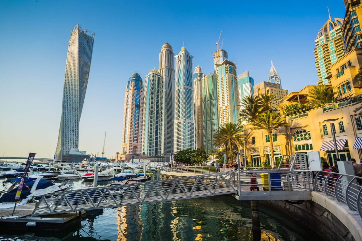 Enjoy the best of Dubai on a shoestring budget