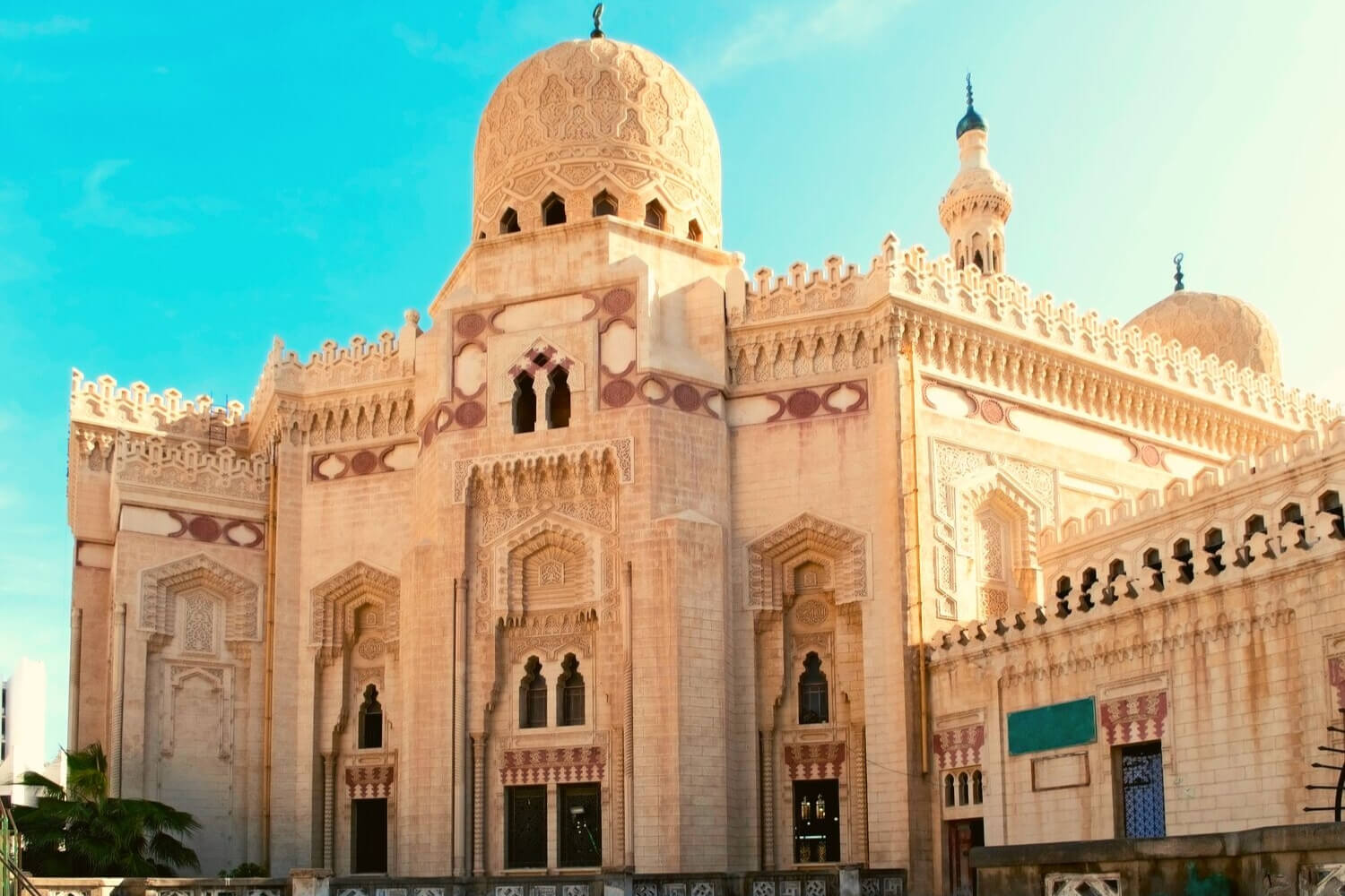 a grand mosque in Dubai
