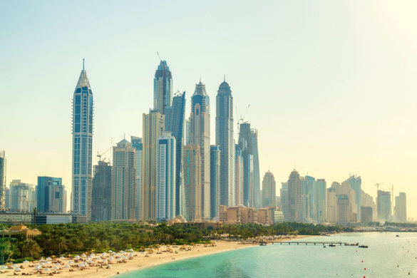 JBr Dubai beach and buildings on a sunny day