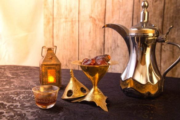 traditional Arabic coffee pot, dates and lantern - ideas of things you can buy in London