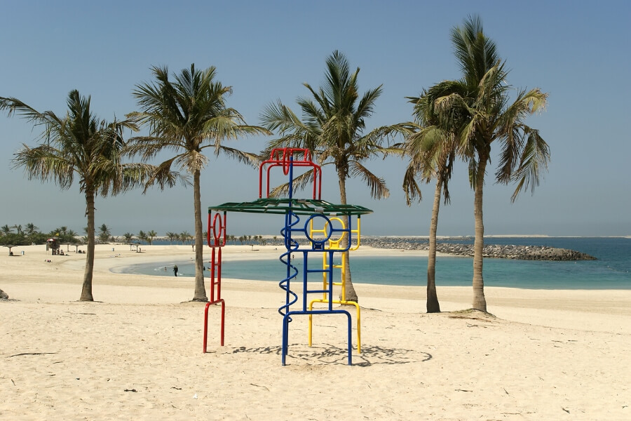 Park on the beach in Dubai