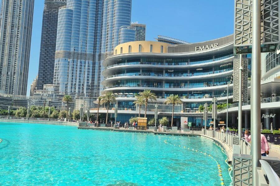 Dubai Mall dining Fashion Avenue